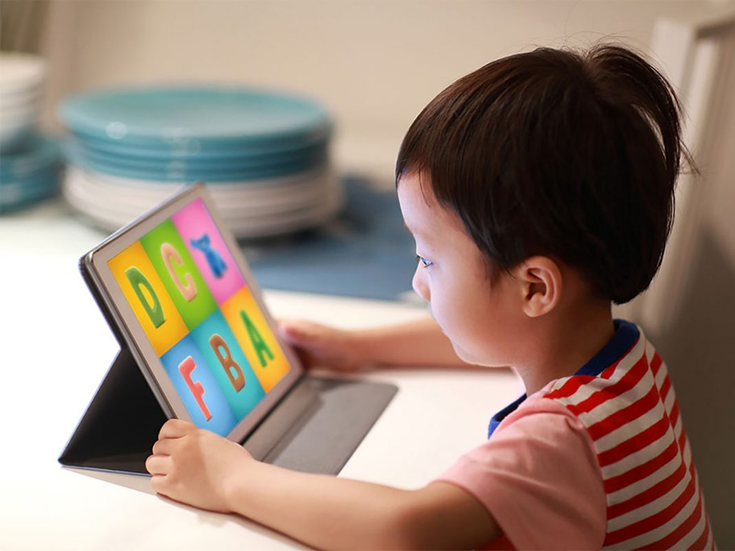 The Most Useful Applications in Teaching Children How to Read and Write